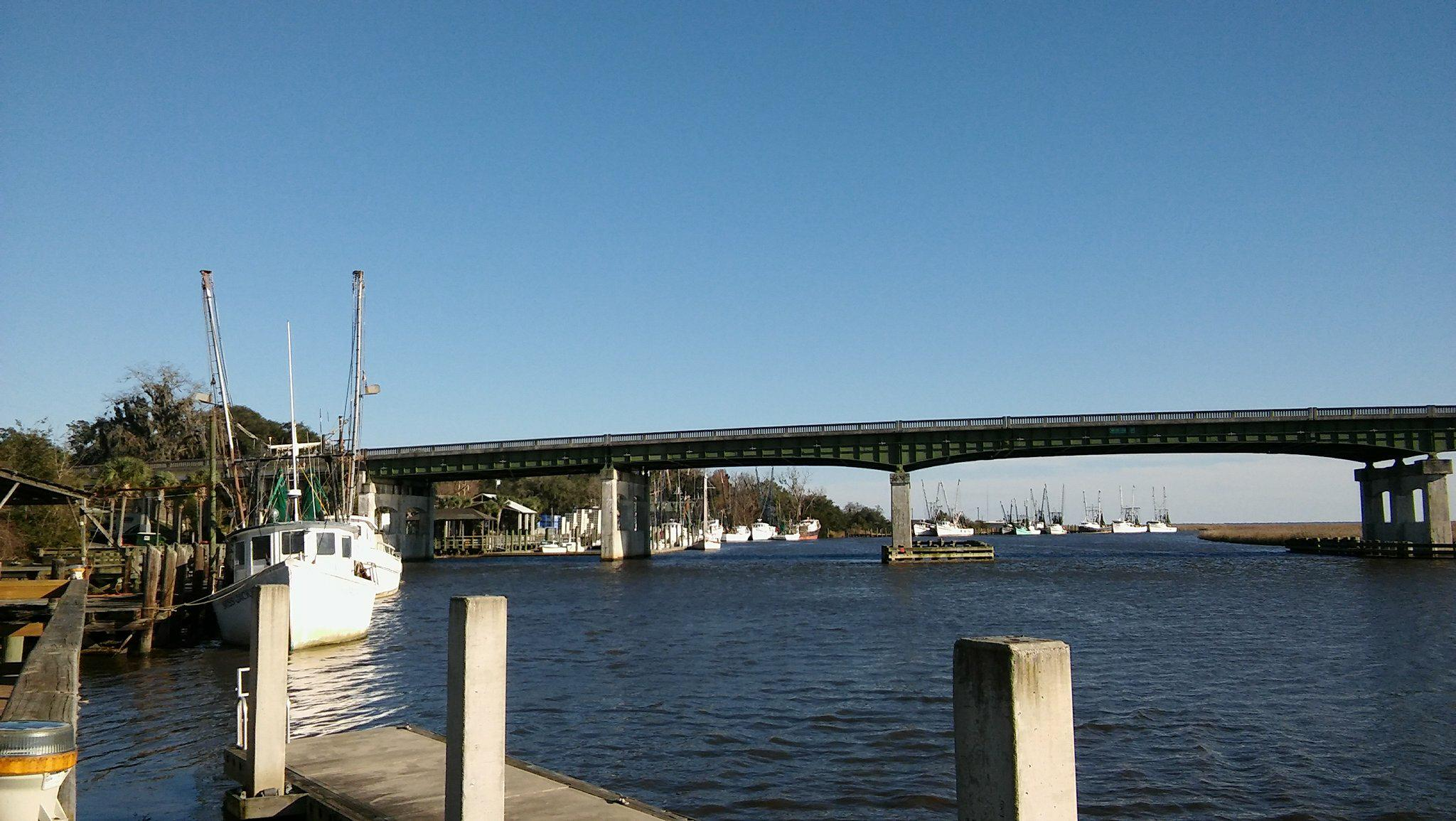 The West side of the Darien Bridge