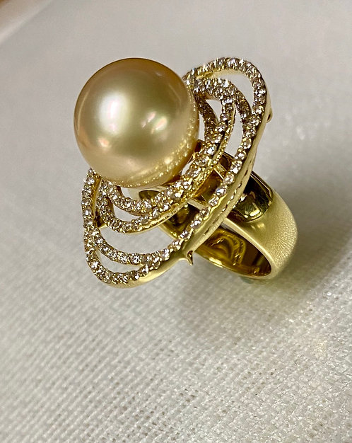 K18 Golden South Sea Pearl Ring