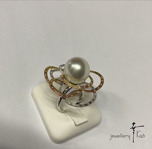 K18 yellow/white Gold South Sea Pearl Ring