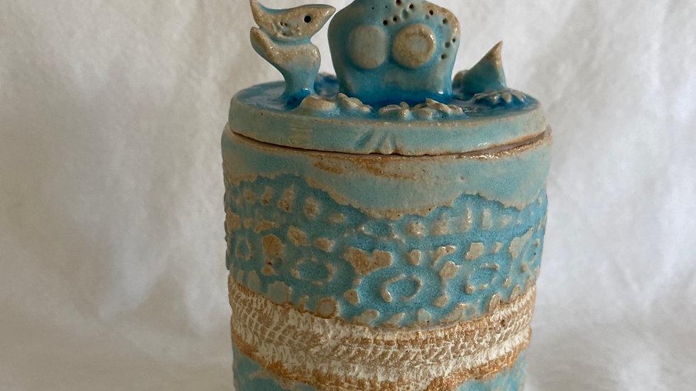 Treasure pot - Bird in hand