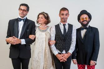 INTERVIEW/ Burger Project: 4 απίστευτοι τύποι πασπαλίζουν τα Χριστούγεννα με μουσική, χορό και μπόλι