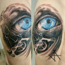 Work from yesterday _) I like such things_#realistictattoo #realistic #eye #inked #ink #inkstagram #