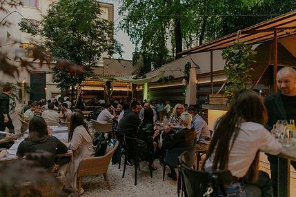 mone-opening-garden-party-molnardani-038