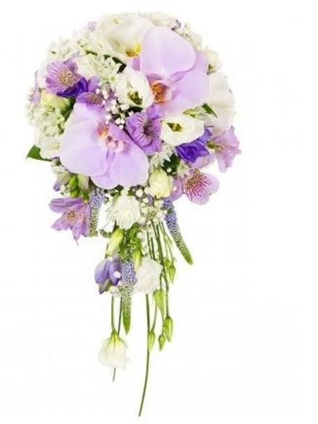 Свадебный букет из альстромерий, орхидей, вероники