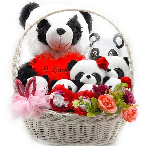 """Букет в корзинке - 7 игрушек, 4 заколки, 1 ободок, 1 кошелек, конфеты """"Панда"""""""