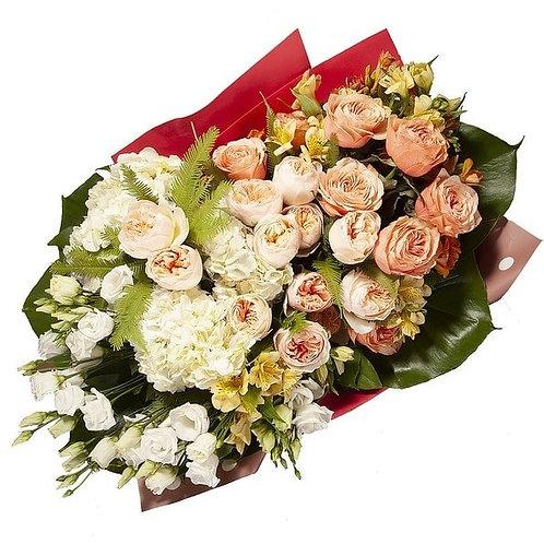 Букет из гортензии, роз, эустомы, фрезии (53 шт.)