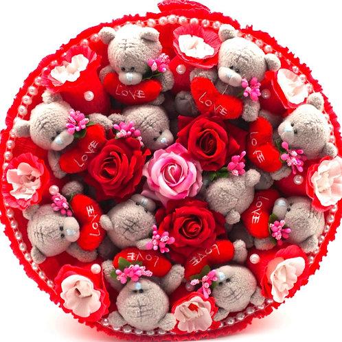 """Букет - 11 мишек Тедди, 8 конфет """"Рафаэлло"""", 4 заколки"""