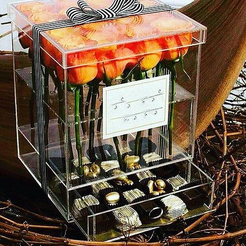 Розы в акриловой коробке с выдвижным пеналом