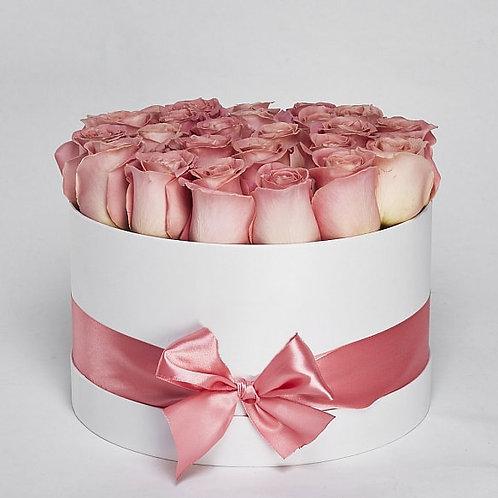 "Шляпная Коробка  Розы ""Hermosa"" 23-25 шт."