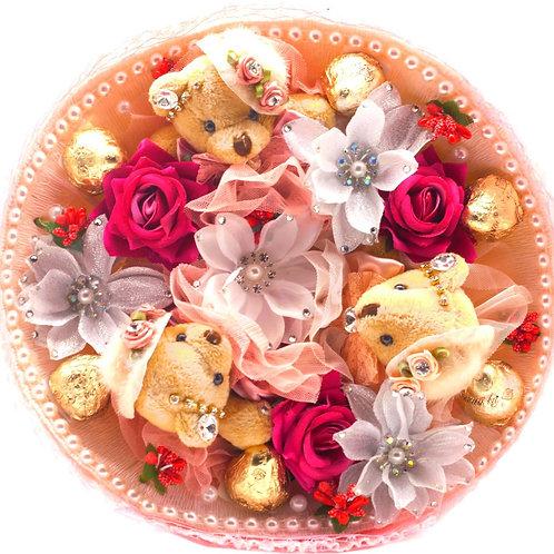 Букет - 3 мишки, 7 заколок, конфеты