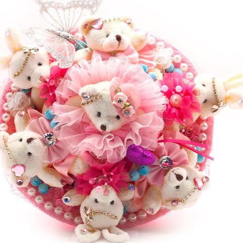 """Букет - 7 игрушек, 9 заколок, конфеты """"Рафаэлло"""", 1 бабочка"""