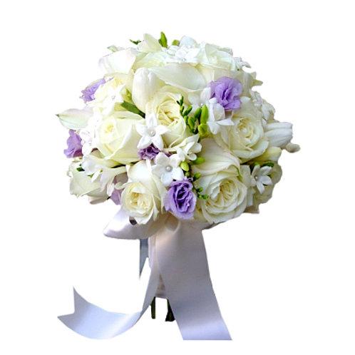 Букет невесты из роз, калл, лизиантуса