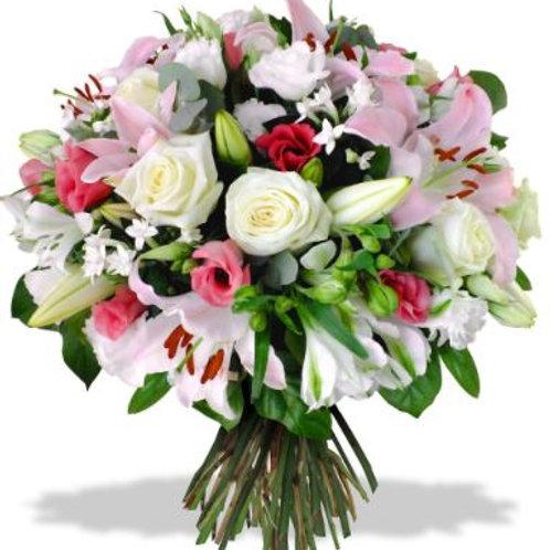 Букет из роз лилии, альстромерии, лизиантуса (49 шт.)