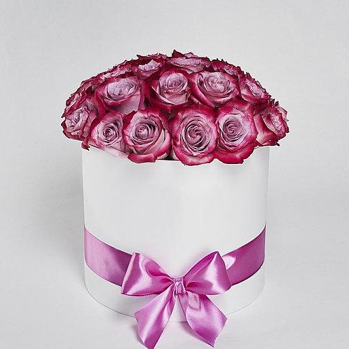 """Шляпная Коробка Розы """"Deep Purple"""" 25 Роз"""