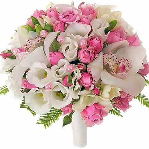 Букет невесты из роз, орхидей, эустомы, амбрелы