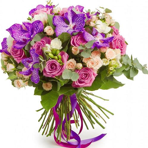 Букет из роз, кустовых роз, ванды (39 шт.)