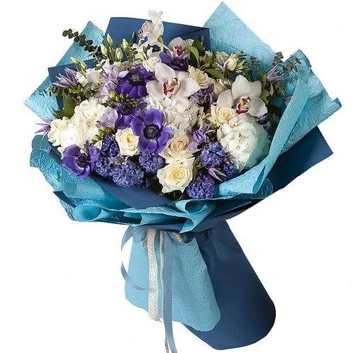 Букет из гортензии, роз, анемонов, орхидей, гиацинтов (41 шт.)