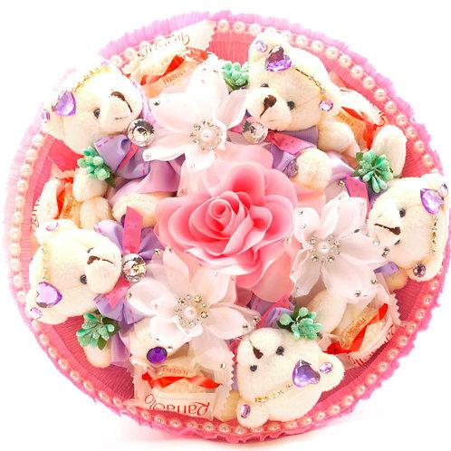 """Букет - 5 мишек, 3 заколки, 1 брошь, 5 конфет """"Рафаэлло"""""""