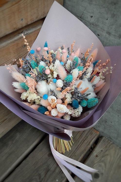 Бирюзово зефирный букет из сухоцветов