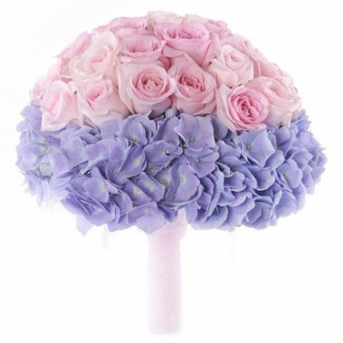 Букет невесты из роз и гортензий