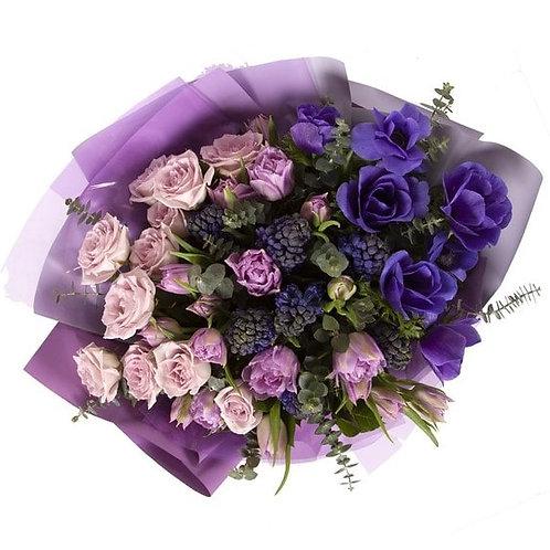 Букет из анемонов, гиацинтов, роз, тюльпанов (49 шт.)