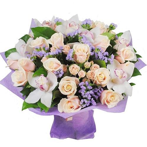 Букет из роз, орхидей, статицы (47 шт.)