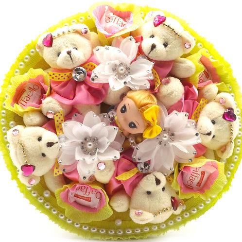 """Букет - 5 мишек, 1 кукла, 3 заколки, конфеты """"Рафаэлло"""""""