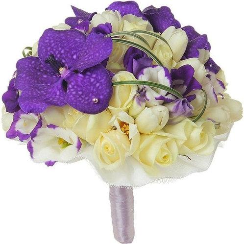 Букет невесты из орхидей, эустомы, берграса