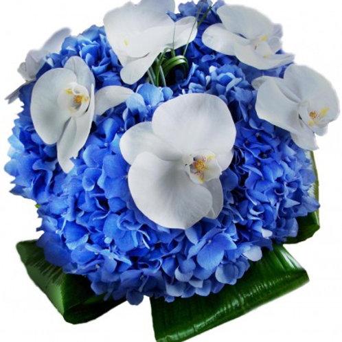 Букет невесты из орхидей и гортензий