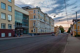 1024px-Nizhny_Novgorod_Ilyinskaya_Street