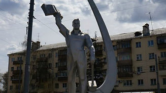 памятник-космонавту-комарову.jpg