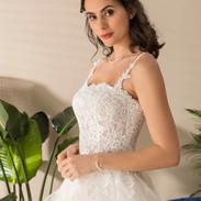 CDF 8 - Alexine - 1075 € - ivoire rose ou ivoire ou blanc