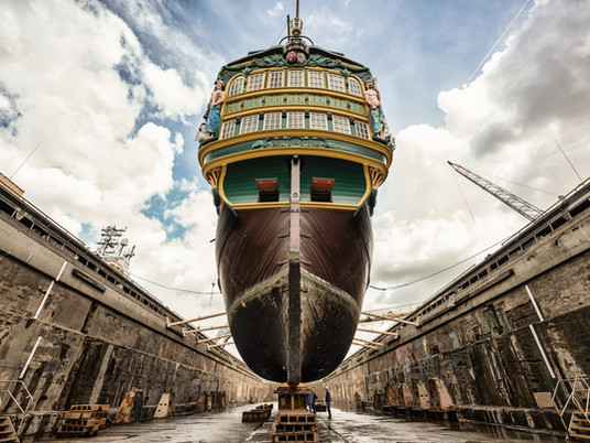 La réplica de la Compañía Holandesa de las Indias Orientales entra en astillero