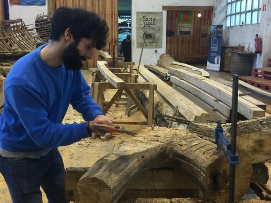 Santiago, voluntario en Albaola