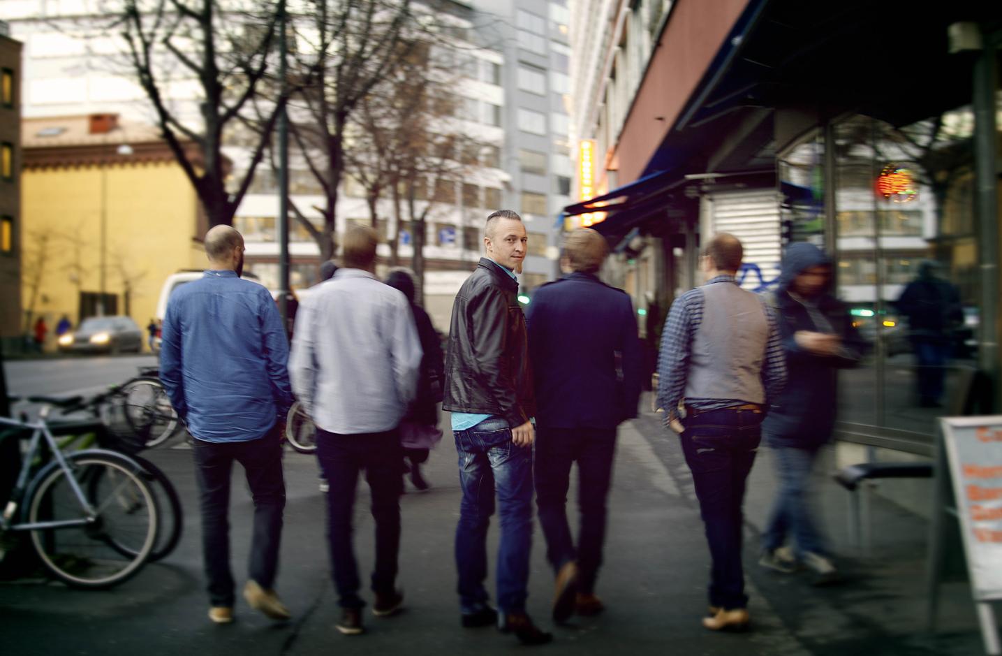 9liv_street_warm