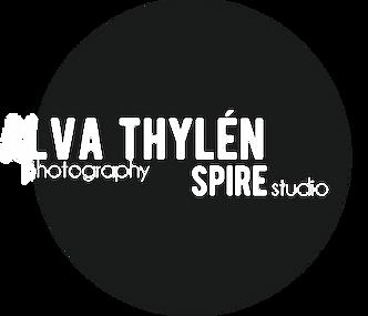 Hvit_lysgrå_Alva_Thylen_Logo_2018.png