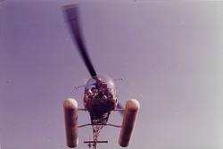 helicoptero en barco atunero