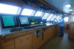 equipo furuno en barco atunero moderno.J