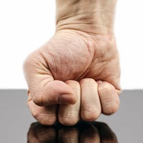 Dalla venerazione all'aggressione dei medici: perché?