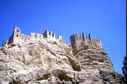 1200px-Hosap-castle_(13).jpg