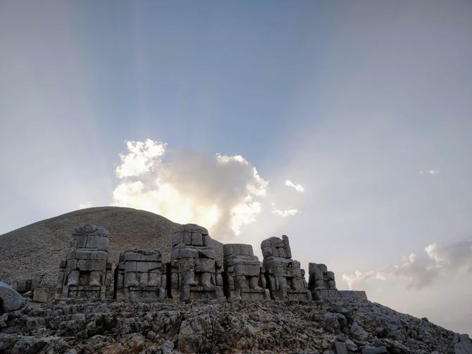 Nemrut, un roi et des Dieux