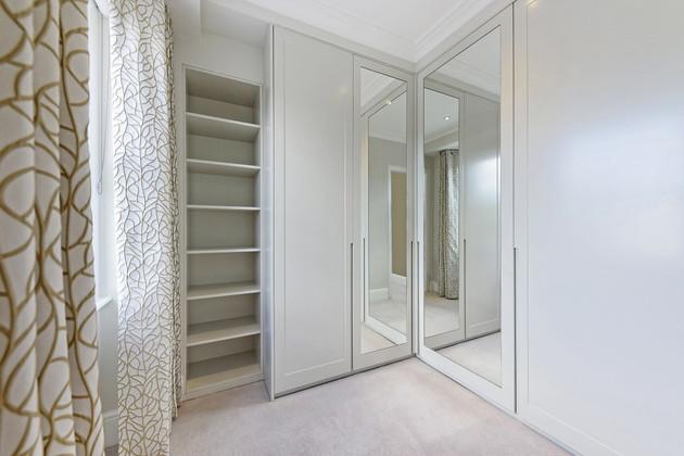 7.Dressing Room.jpg