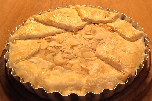 Torta Rústica de Frango com Cream Cheese e Amêndoas Tostadas
