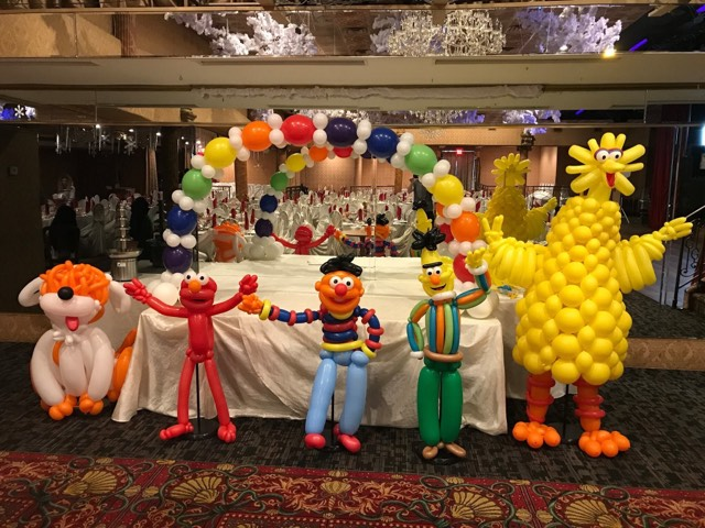 Balloon Sesame Street Decor & Arch