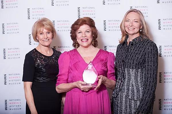 2016 Womens' History Award.PNG