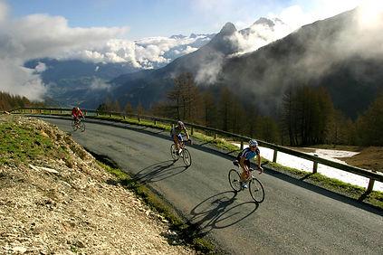 131-3191_vélos-col-d'allos.jpg