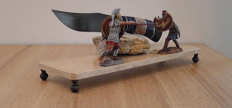 "Композиция с ножом ""Римлянин и Сарацин"""