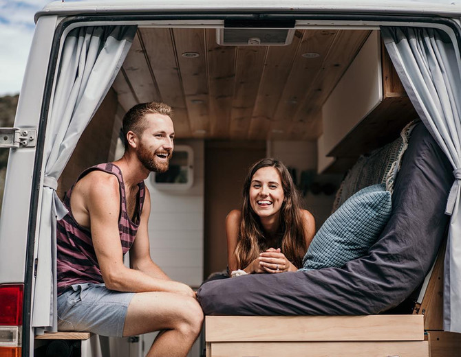 VanLife Q&A Session with Kristyn and Joe from @thewanderingwagners