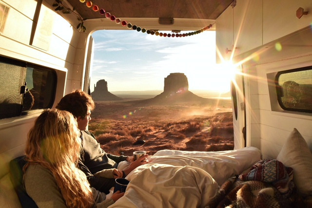 VanLife Q&A Session with Willa and Lucas from @ViatheVan