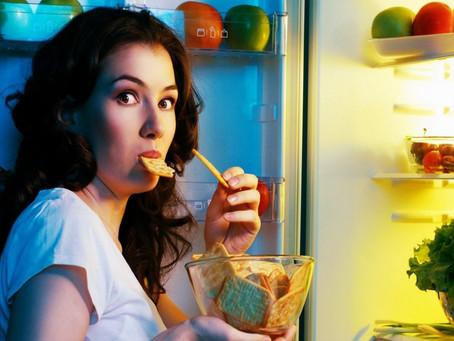 Nädal 4: Miks on raske peatada end üle söömast ja strateegiad, kuidas kontroll tagasi saada.